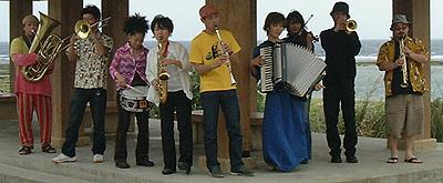 20061202-freylekh.jpg